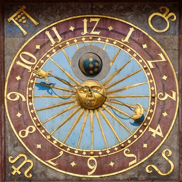 horary astrology reading 600x600